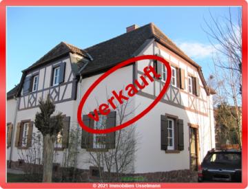 Gemütliche Doppelhaushälfte Fachwerkhaus mit Garten in Worms – West!, 67549 Worms, Einfamilienhaus